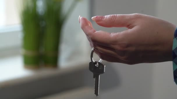 Kulcs az új lakásból. Lakásáthelyezés, lakástulajdonos