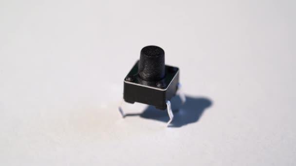 Tlačítko switch pro elektronické inženýrství arduino