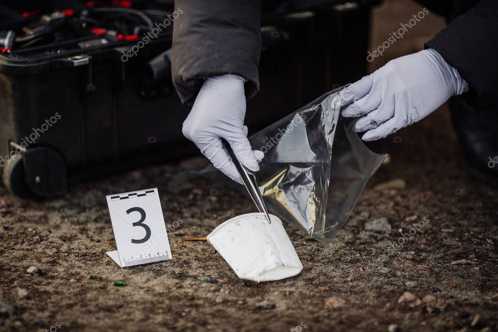 collecting crime scene evidence This kit contains all of the items you need to collect evidence from a crime scene and transport it to your agency this master evidence kit can be used in large agencies for multiple csis or one single kit for a small department.