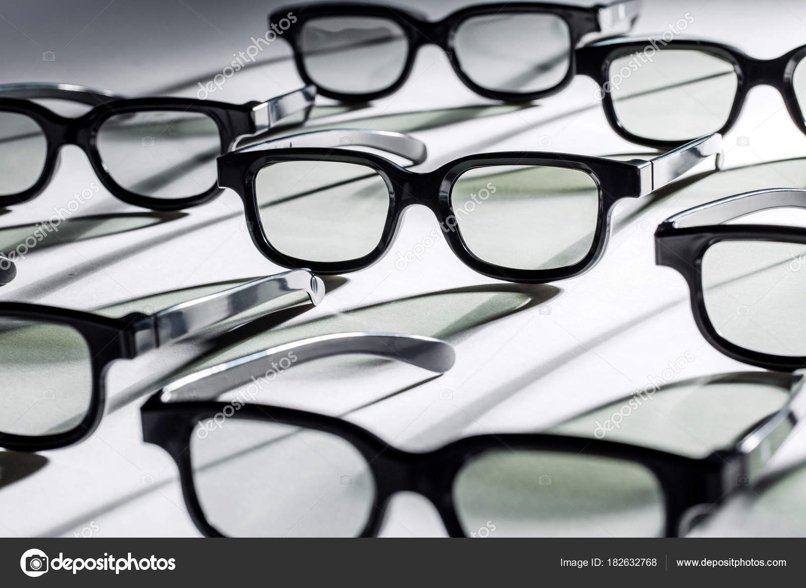 3D Brille auf einem weißen Hintergrund. Brillen Rahmen Textur ...