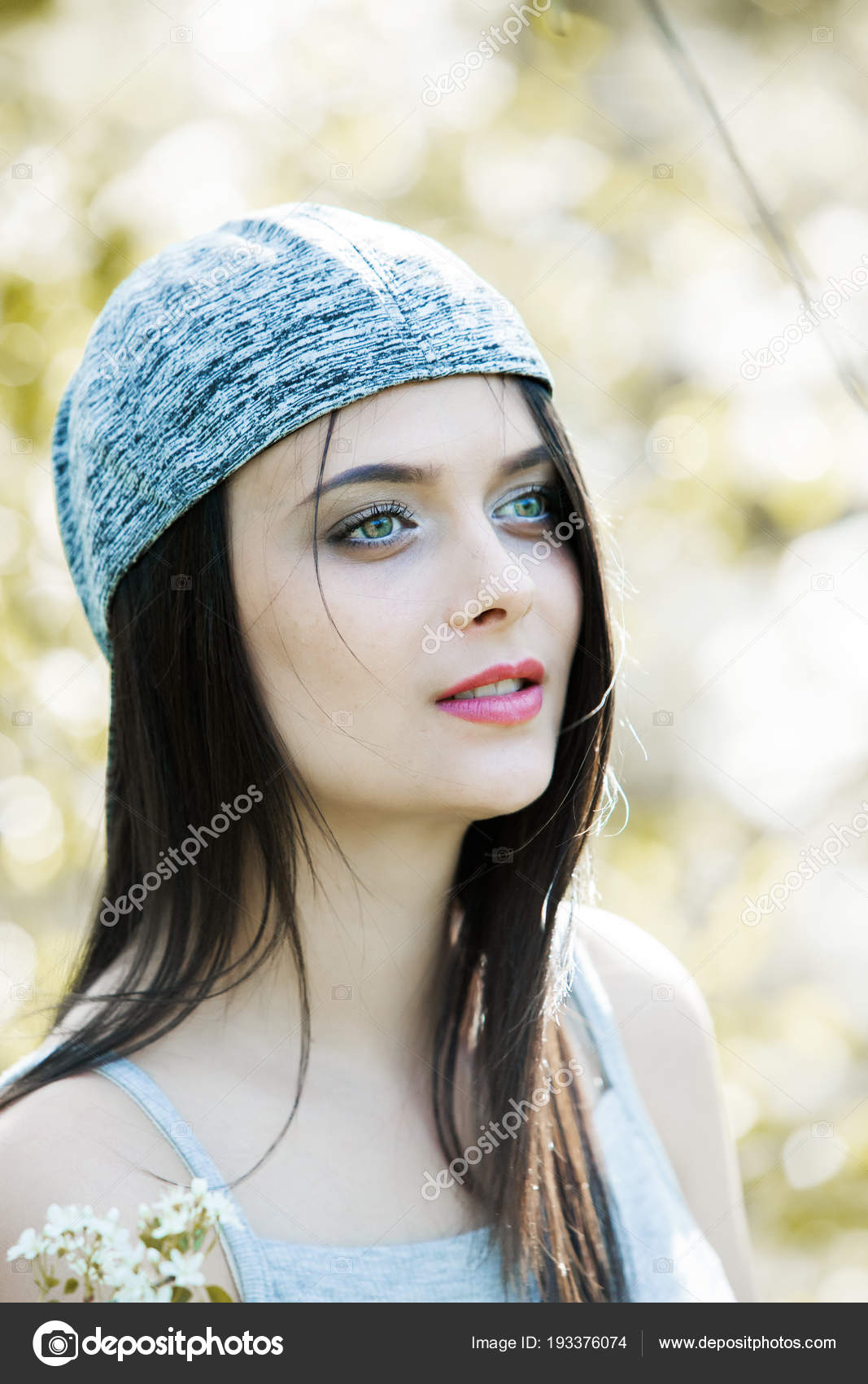 397018bba351dd Beautiful Girl Green Eyes City Park Woman Beauty Face Portrait ...