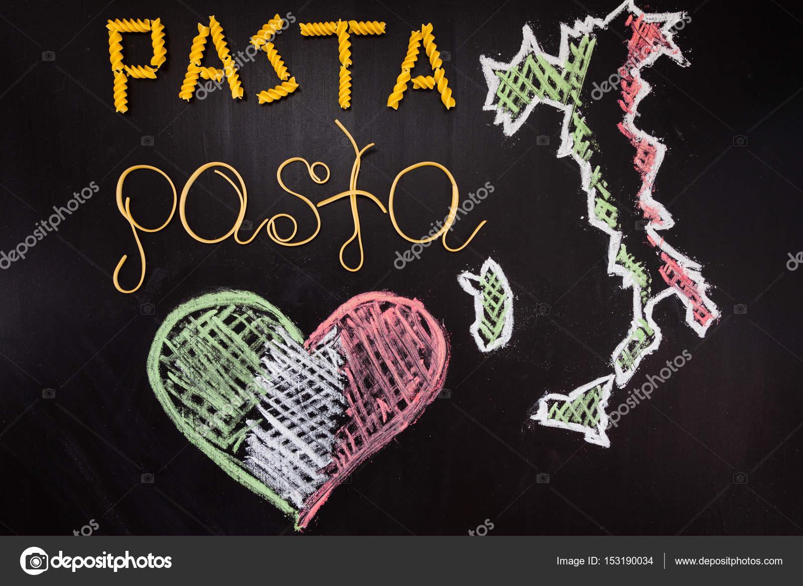 Wörter-Nudeln aus gekochten Spaghetti und trockene Teigwaren auf dem ...