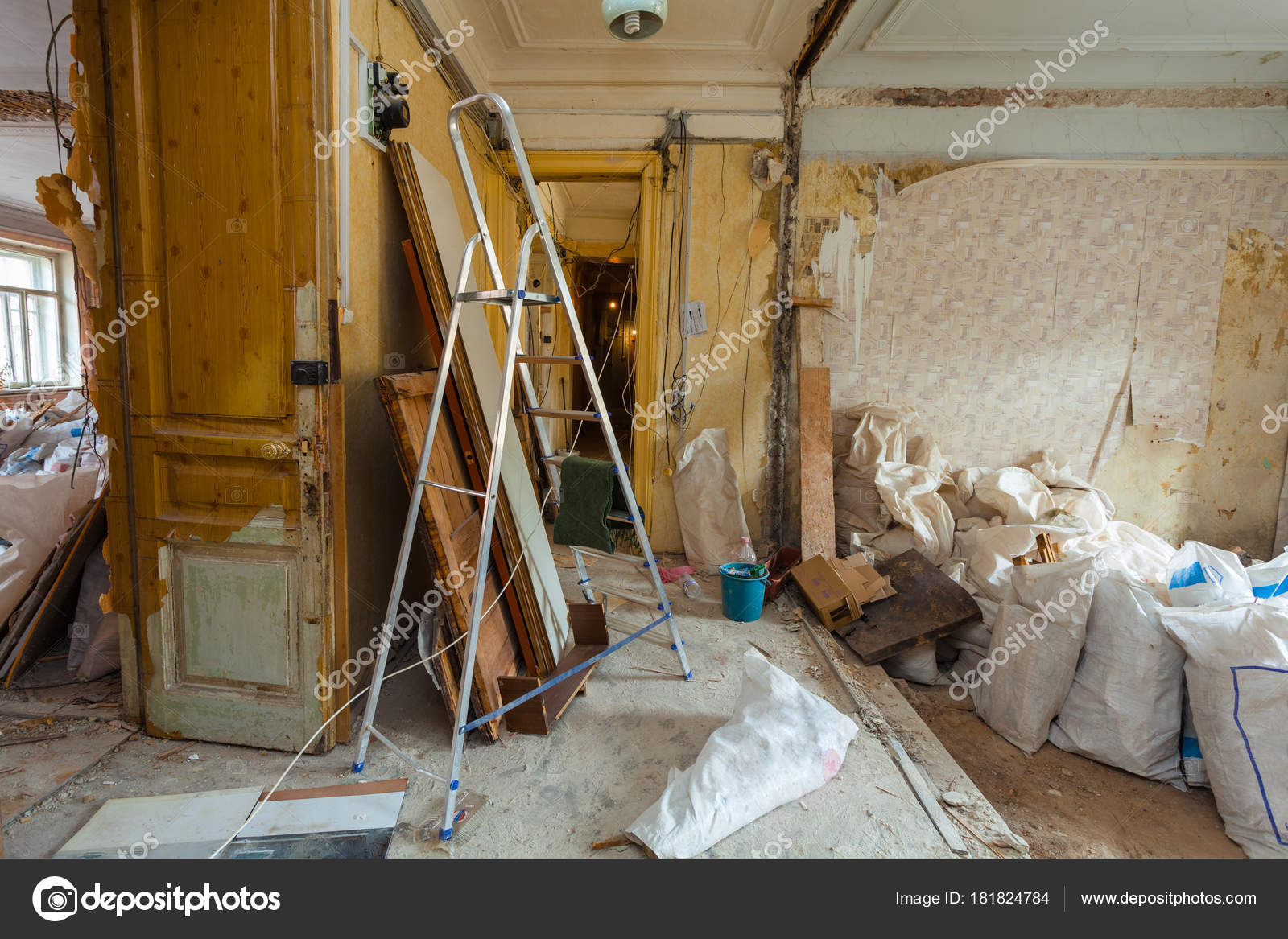 Dismantling Apartment Interior Upgrade Remodeling Renovation ...
