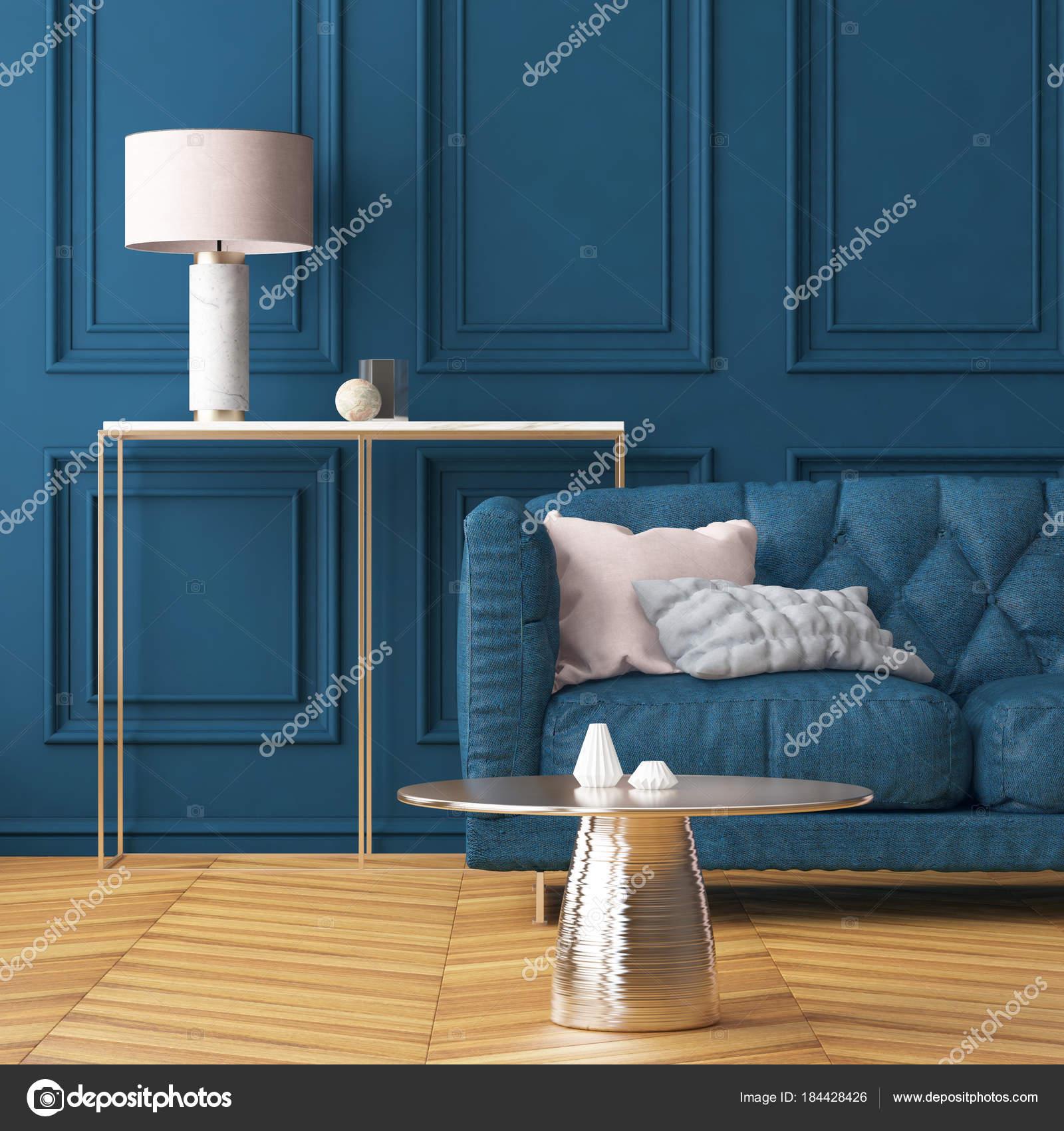 woonkamer interieur met donker blauwe muur slaapbank trend kleuren stockfoto