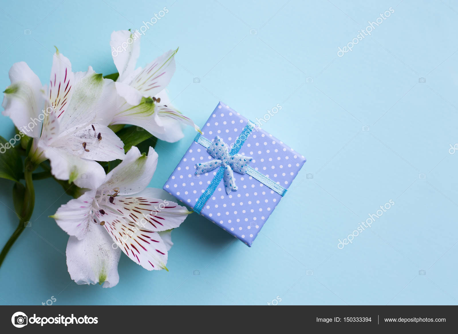 Al s flowers gifts flowers healthy blue gift box with alstroemeria flowers on pastel blue background spring position springtime mother s day izmirmasajfo