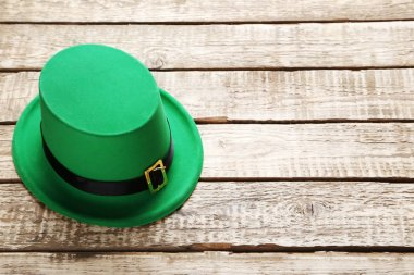 Green St. Patrick day hat