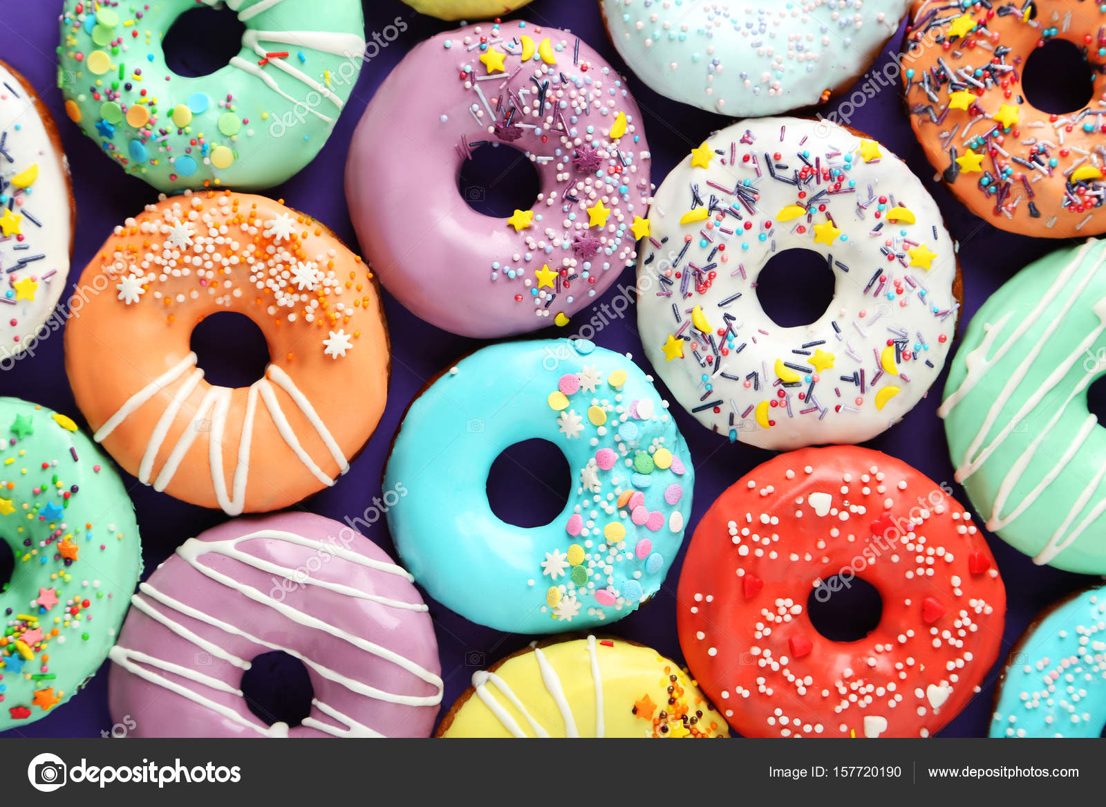 deliciosos donuts coloridos — Stock Photo © 5seconds ...