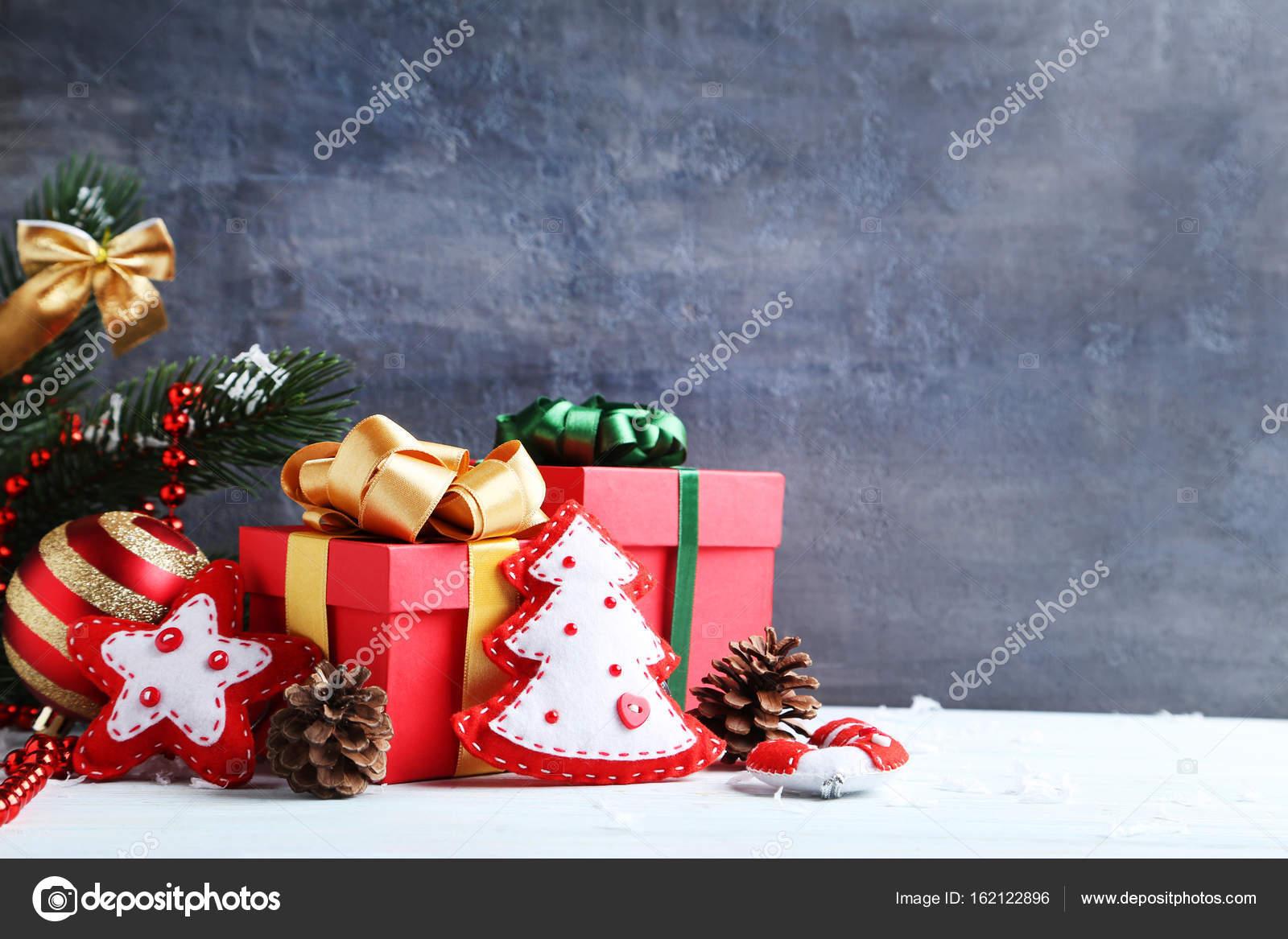 Decorazioni Luminose Natalizie : Decorazioni luminose natalizie u2014 foto stock © 5seconds #162122896