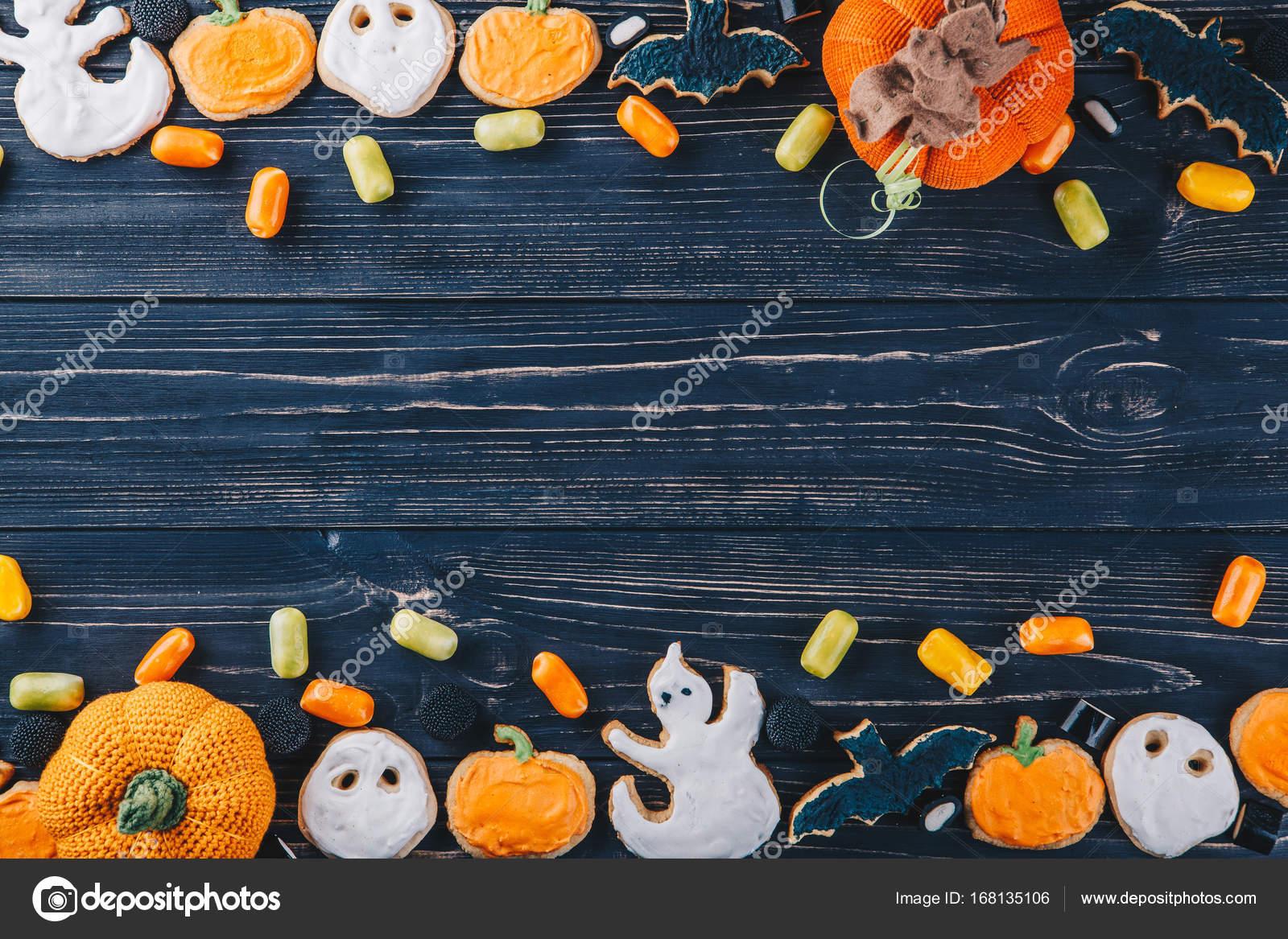 Schönen Lebkuchen und Süßigkeiten für Halloween und Kürbis auf den ...