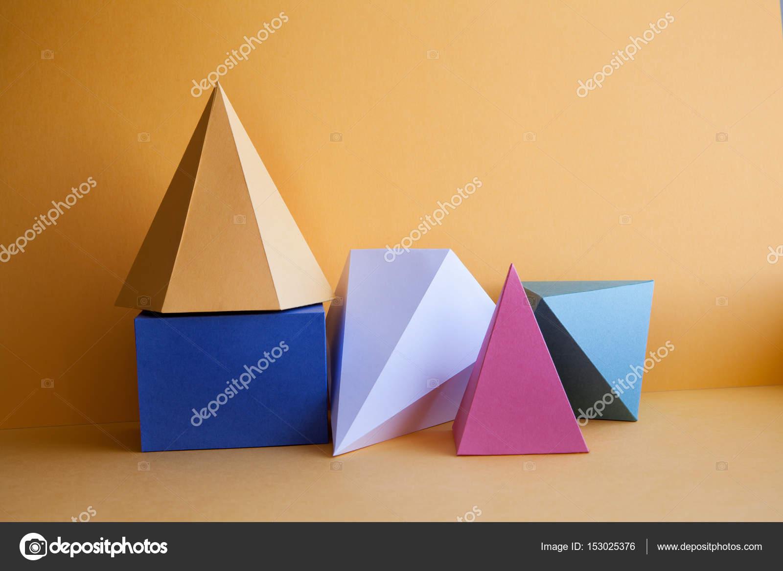 Sólidos platónicos abstracta composición de bodegones. Cubo ...