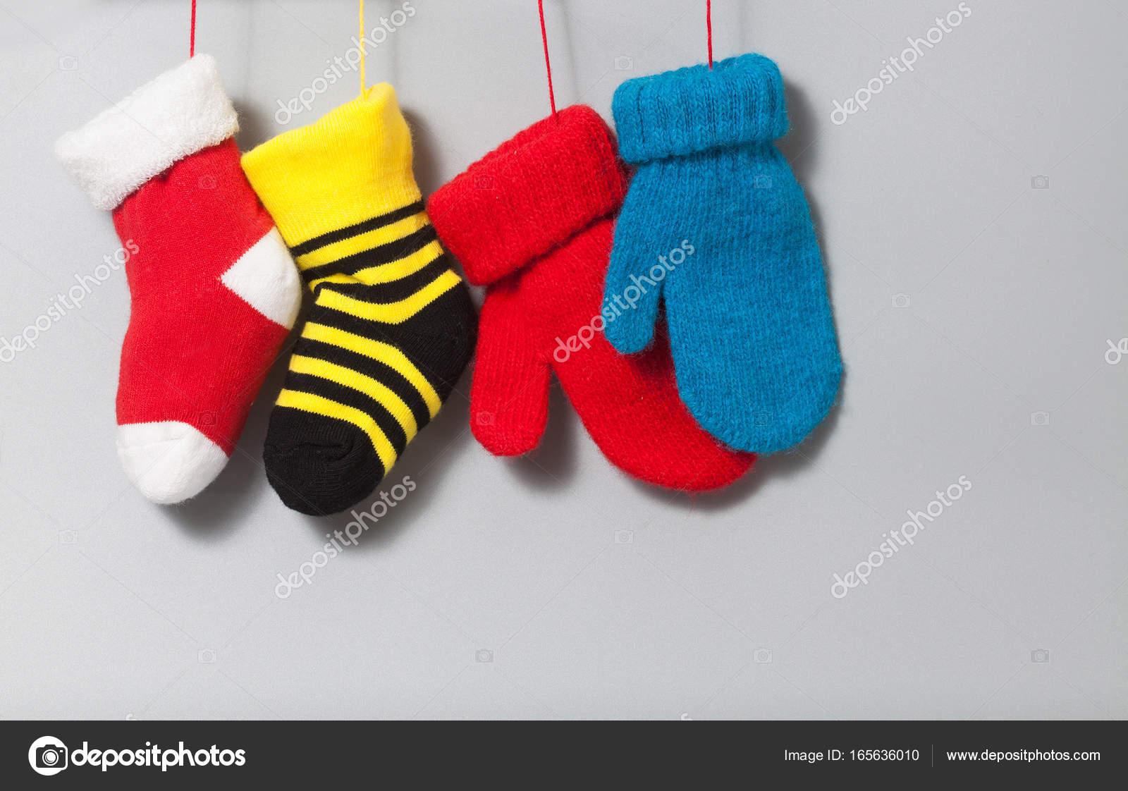 Colores Media Navidad Calcetines Guantes Sobre Fondo Gris Elemento ...