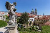 Sochy ve Vrtbovské zahradě v Praze