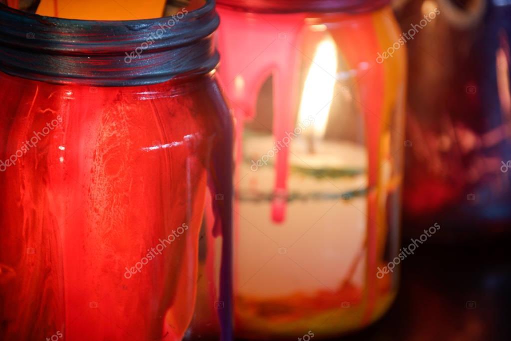 Lampade In Vetro Colorate : Damigiana vetro dipinta diventa una lampada youtube