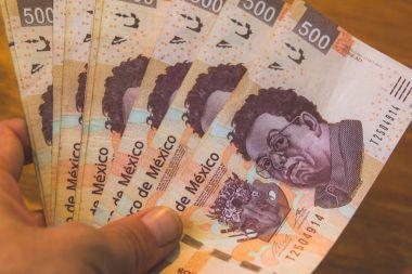 Five hundred mexican pesos