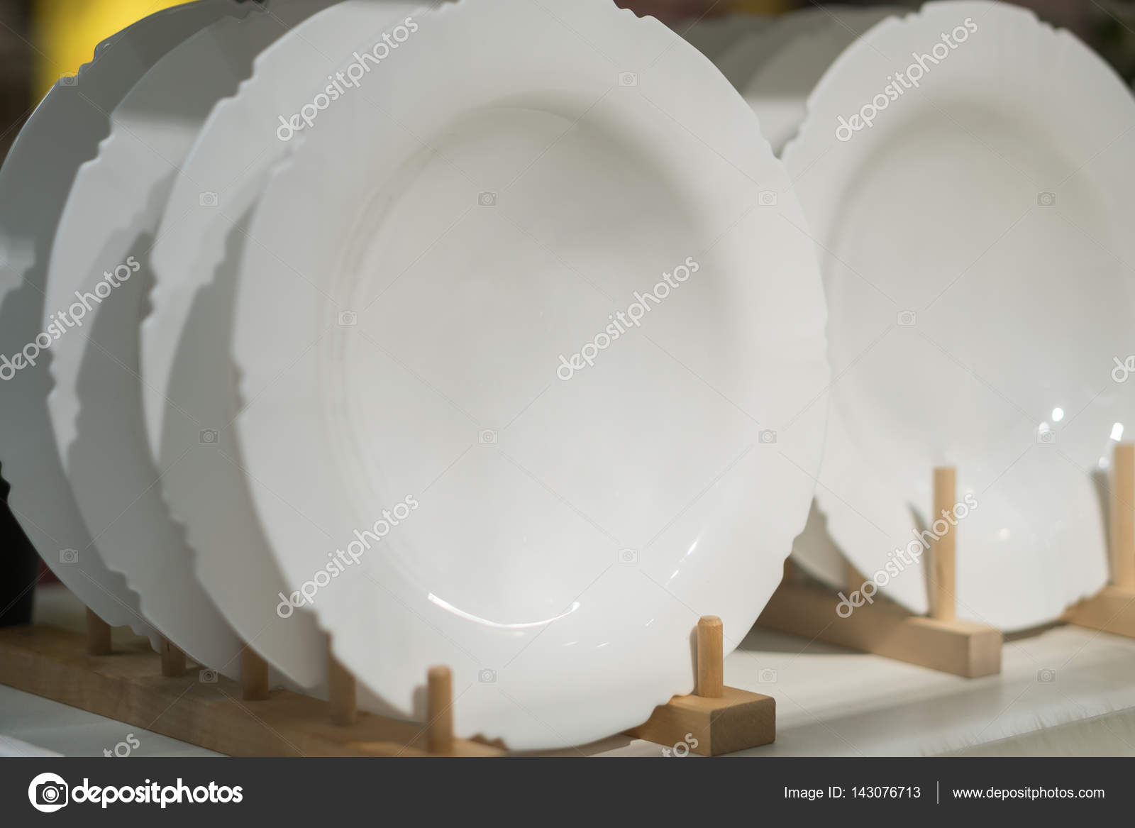 Kitchen Utensil Collection of Porcelain Dishes Bowls and Plates ...