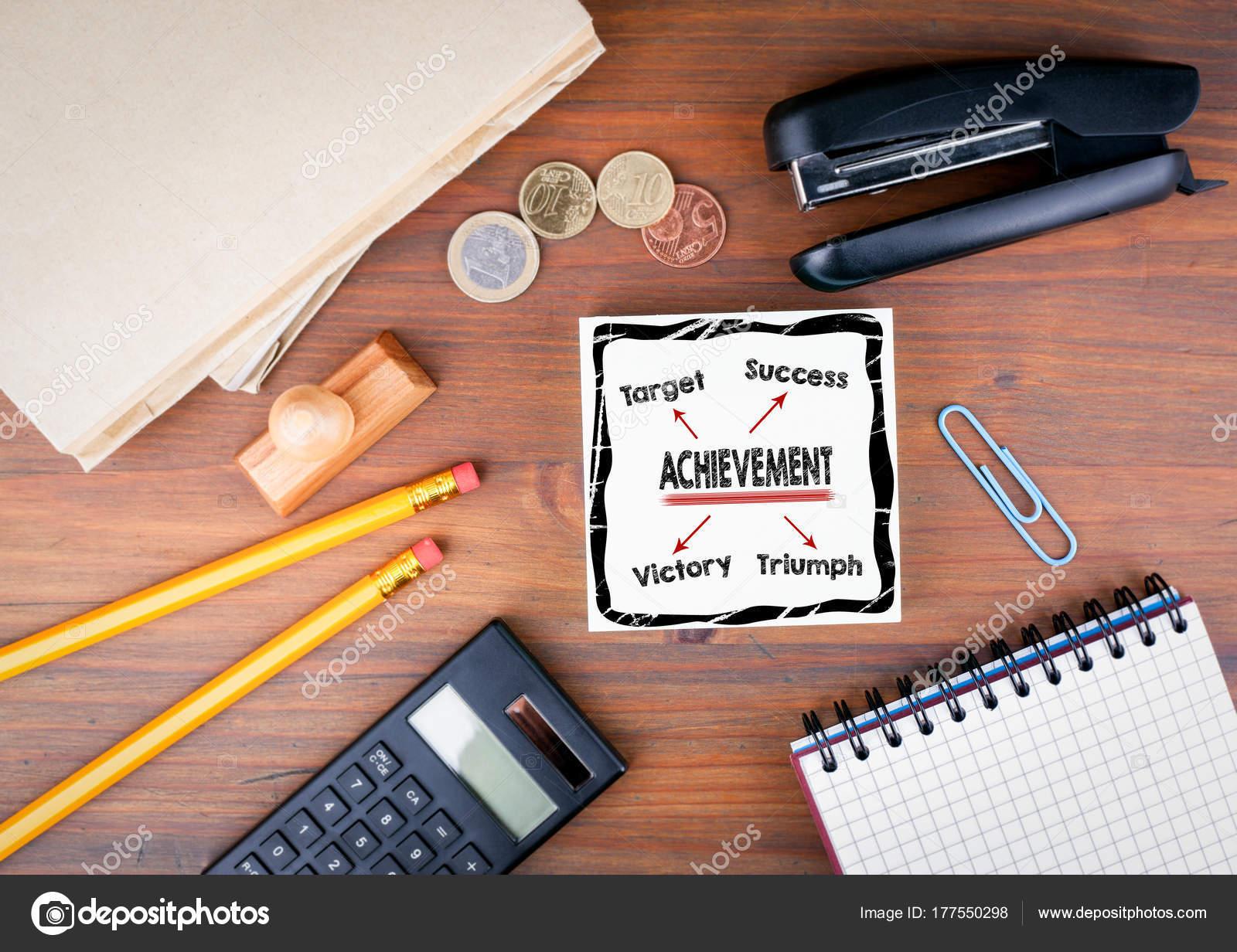 Scrivania Ufficio Occasione : Concetto di realizzazione. scrivania da ufficio con sfondo di