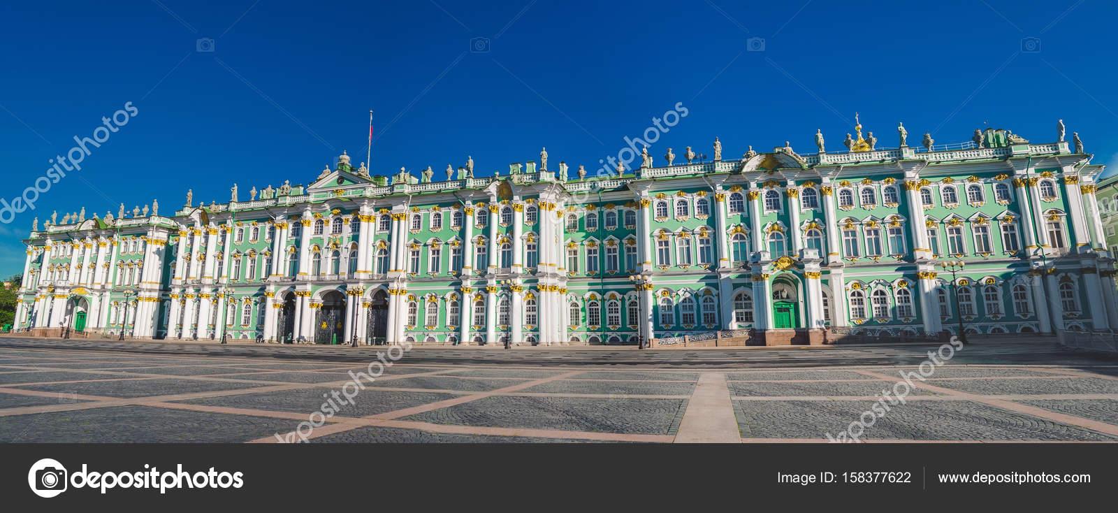 冬宮サンクトペテルブルク建物エルミタージュ美術館。パノラマ \u2014 ストック写真