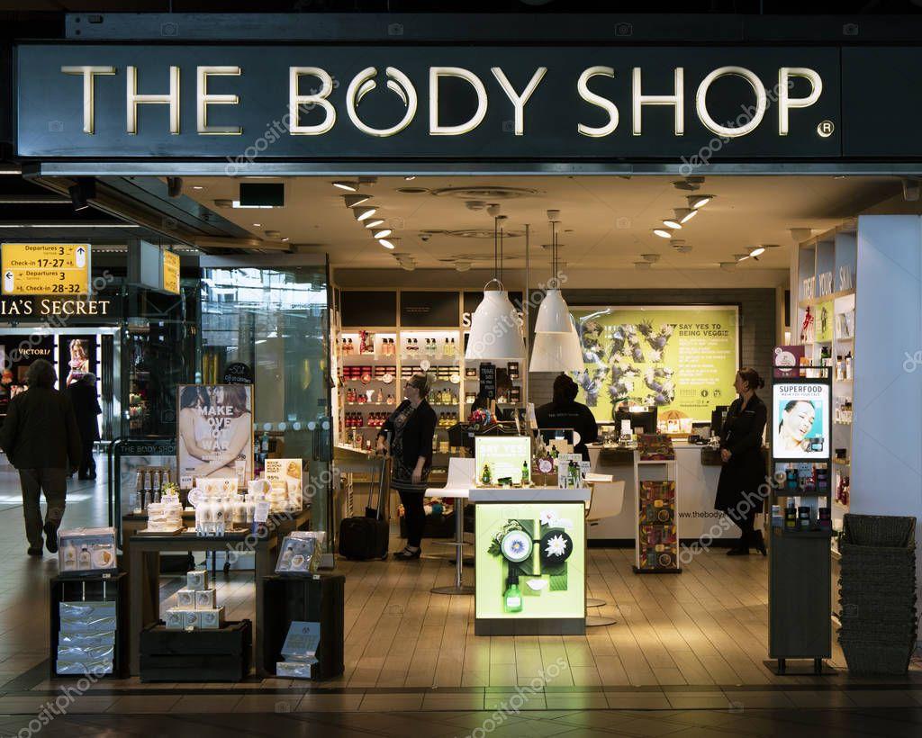 631078b21 A loja de cosméticos Body shop — Fotografia de Stock Editorial ©  Joeppoulssen  146542617