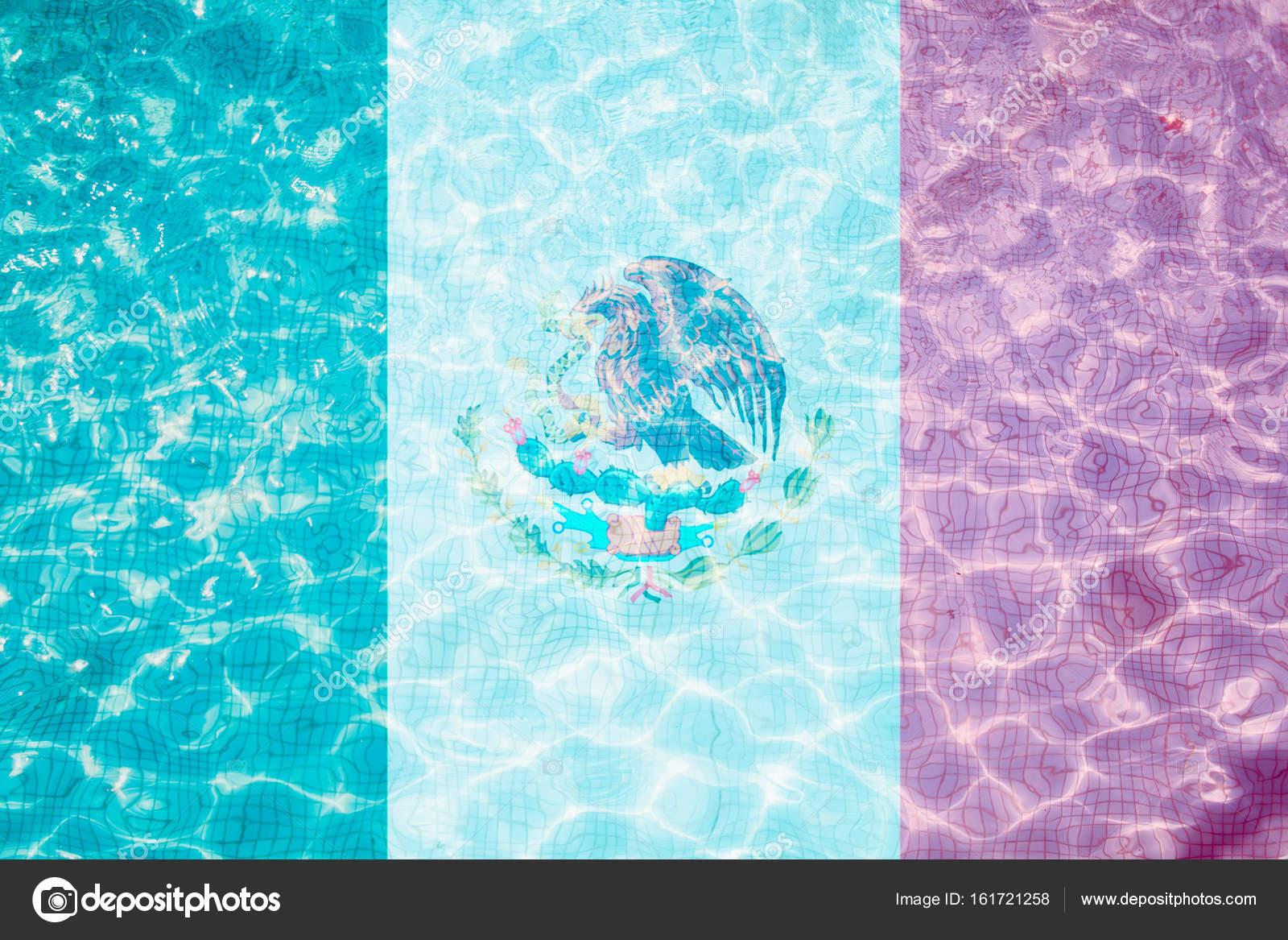 Bandiera del messico piastrelle in piscina u2014 foto stock