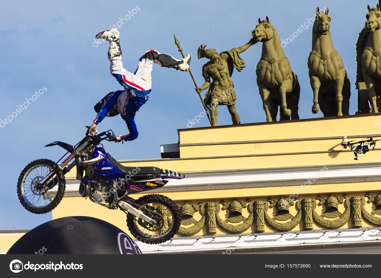 スタント バイク ショー - スト...