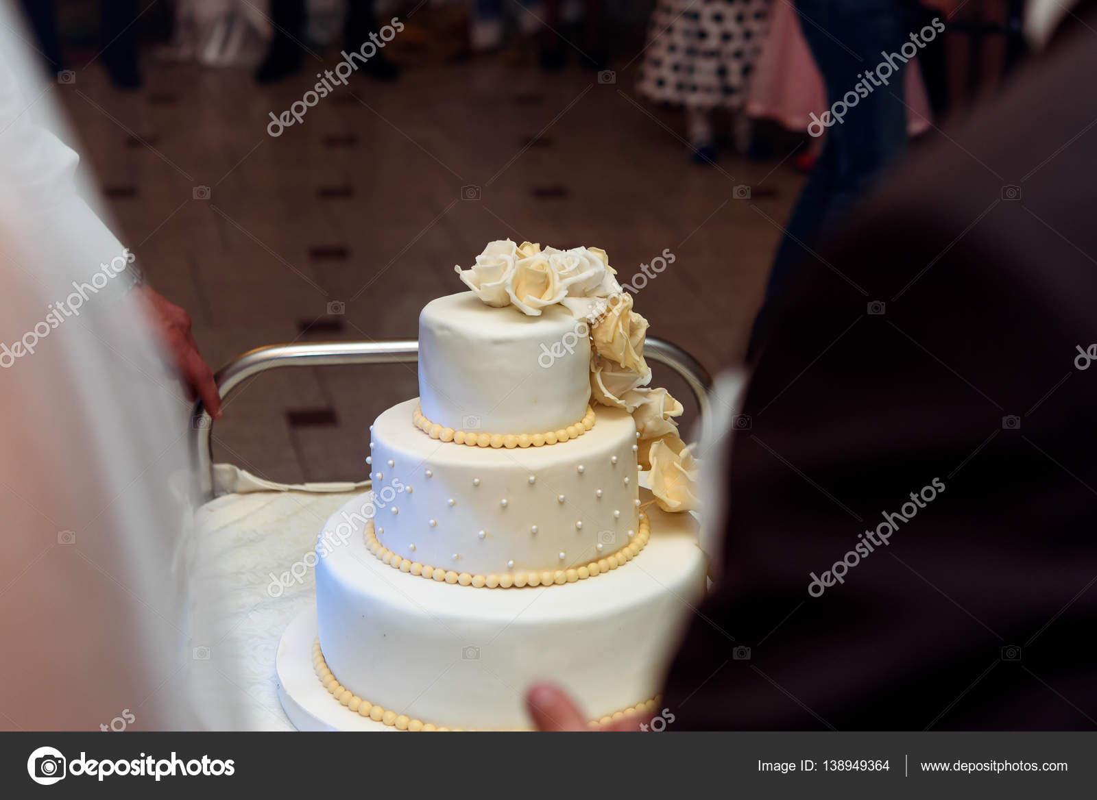 Gâteau De Mariage De Luxe Photographie Sonyachny 138949364