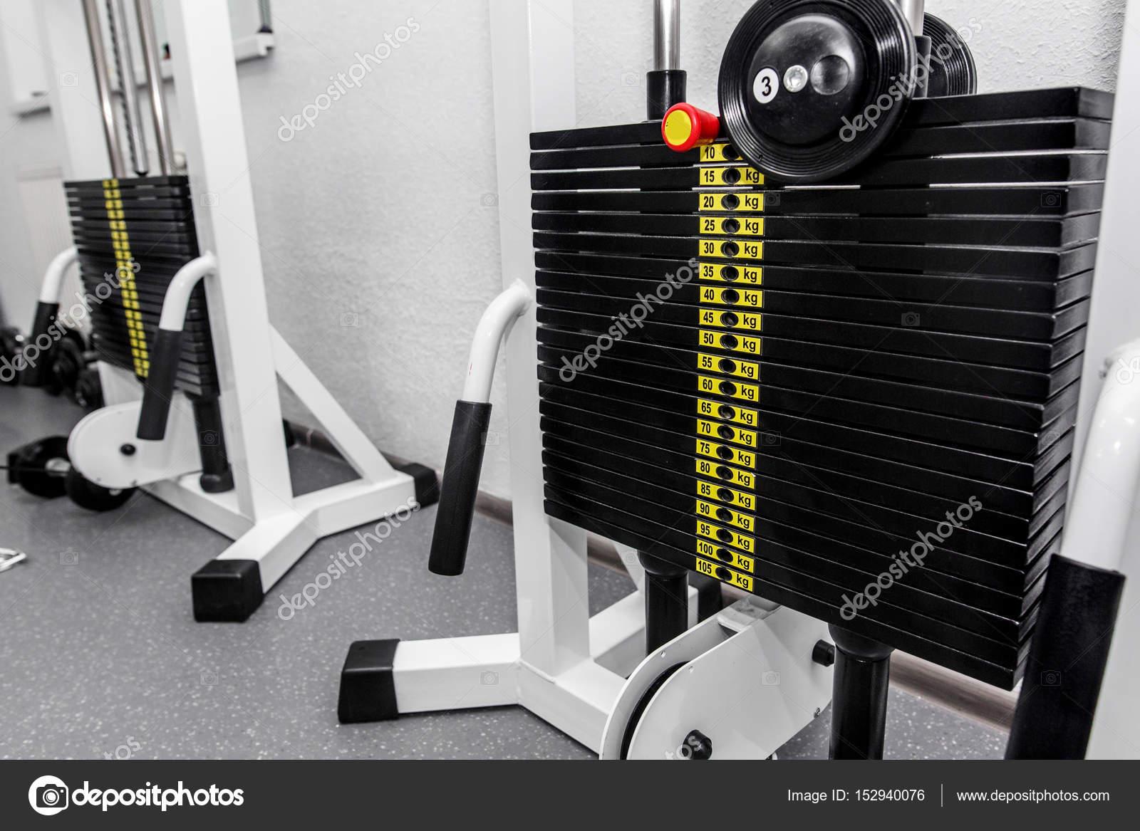 Attrezzature da palestra di pesi di ginnastica u foto stock