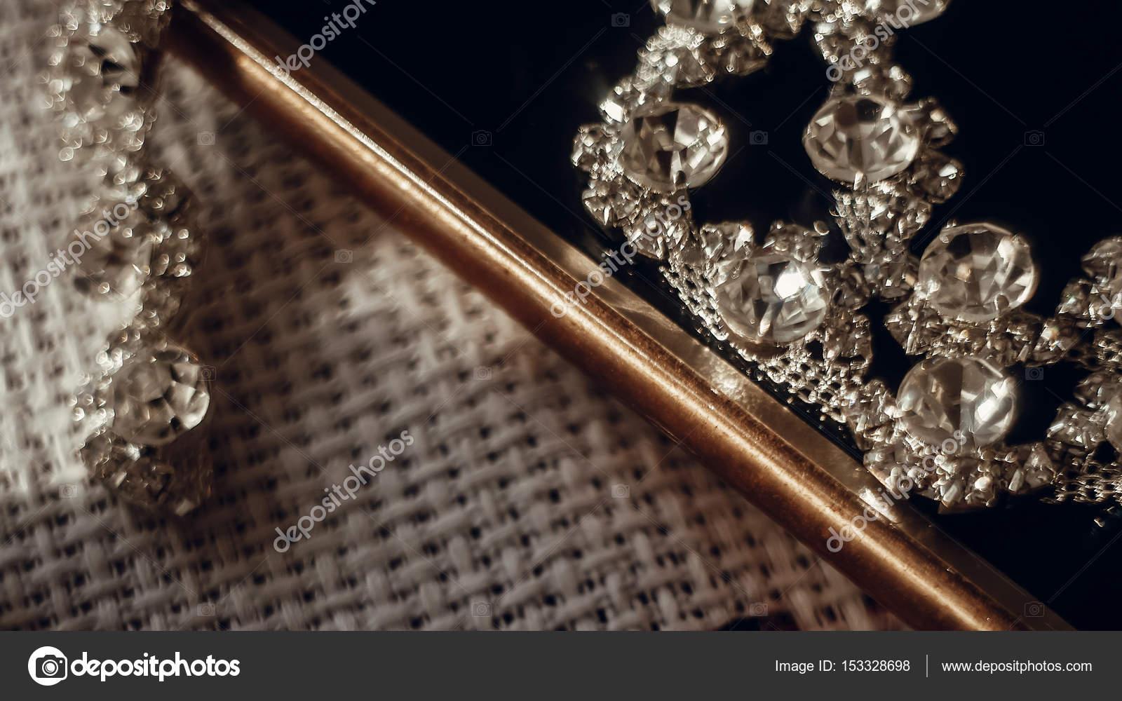 beautiful jewelry necklace — Stock Photo © Sonyachny #153328698