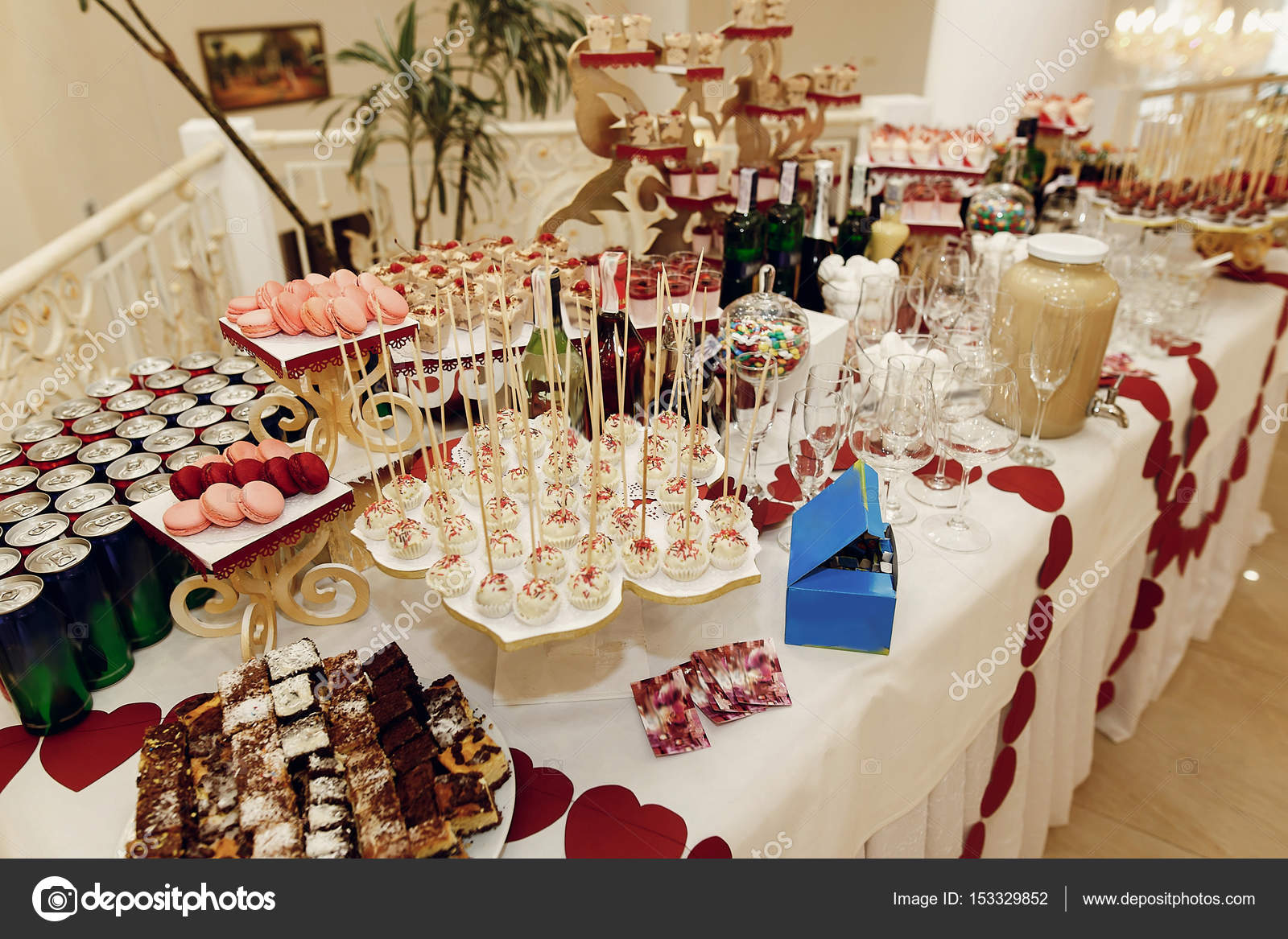 stylish candy bar with sweets — Stock Photo © Sonyachny #153329852