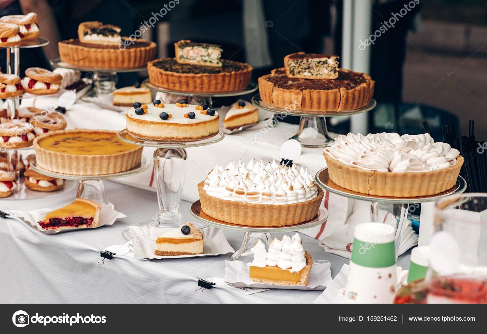 Leckere Kuchen Und Torten Stockfoto C Sonyachny 159251462