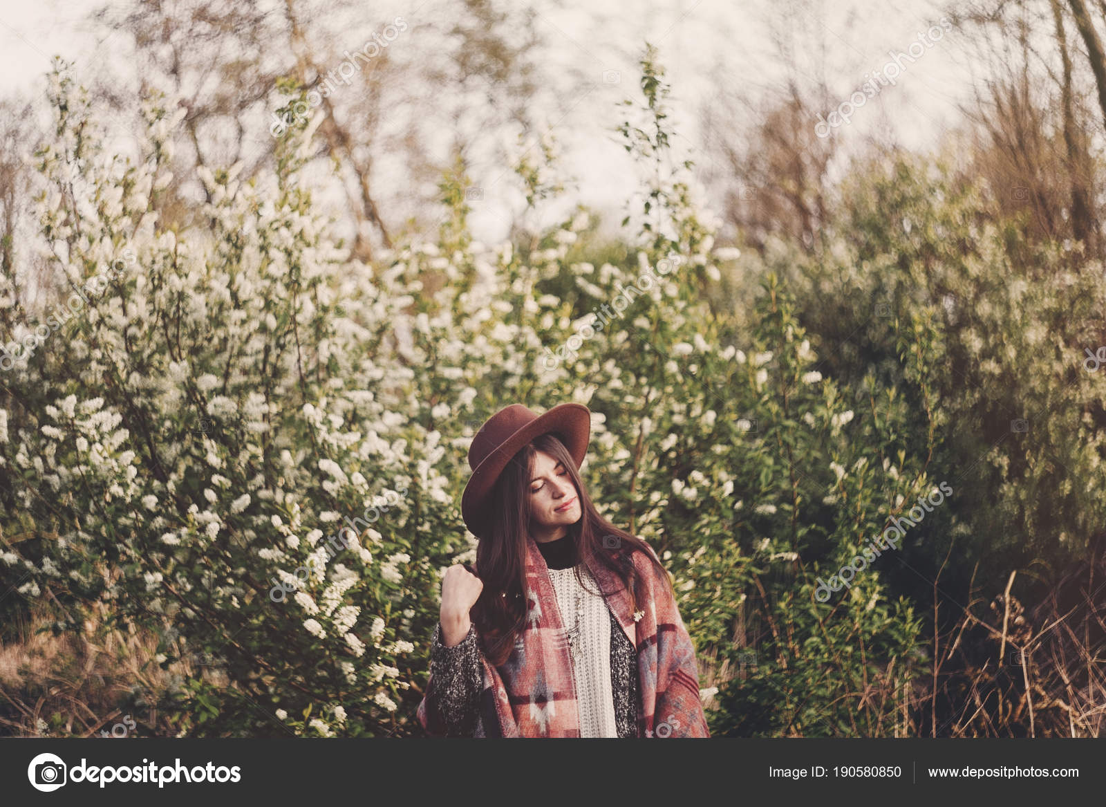 Stylish Hipster Girl Hat Poncho Beautiful Hair Standing Park Evening