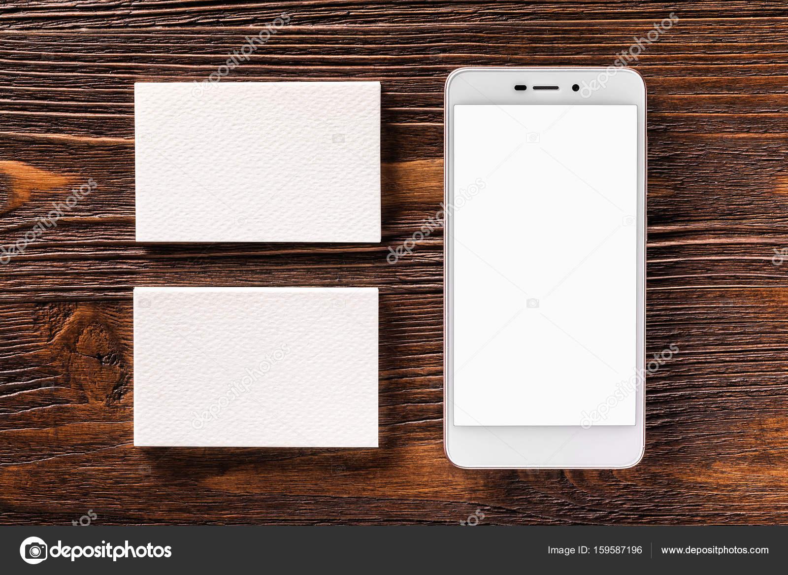 Maquette Du Telephone Portable Et Deux Cartes De Visite Au Fond La Planche Bois Brun Image Mayatnik63