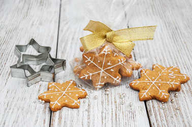 Christmas ginger and honey colorful cookies