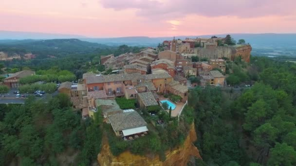 Francie, Vaucluse, letecký pohled na Roussillon,