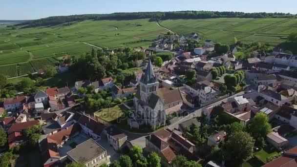 Francie, šampaňské, letecký pohled na Ville Dommange