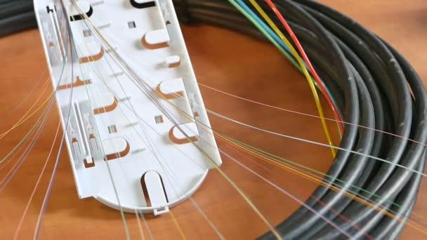 Egy Internet-kábel szerelése