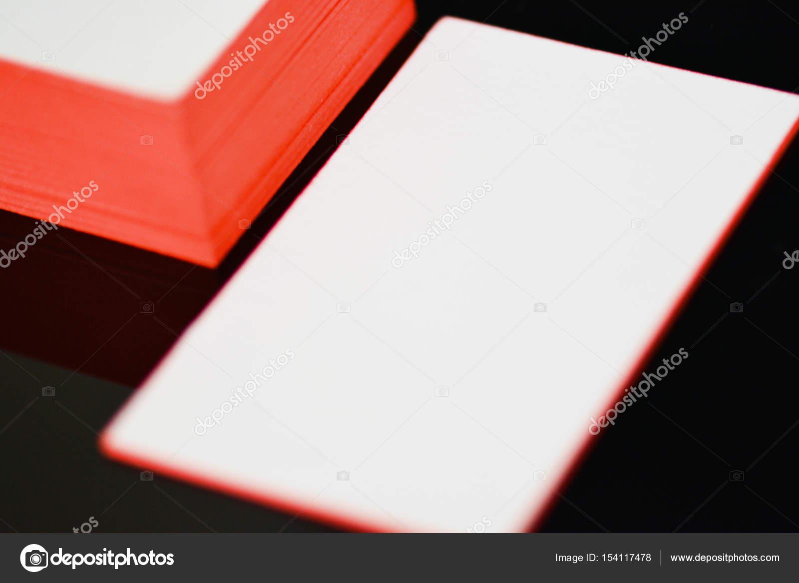 Carte De Visite Papier Pais Coton Blanc Mock Up Avec Feuille Dor Sur Les Bords Image Trimailova
