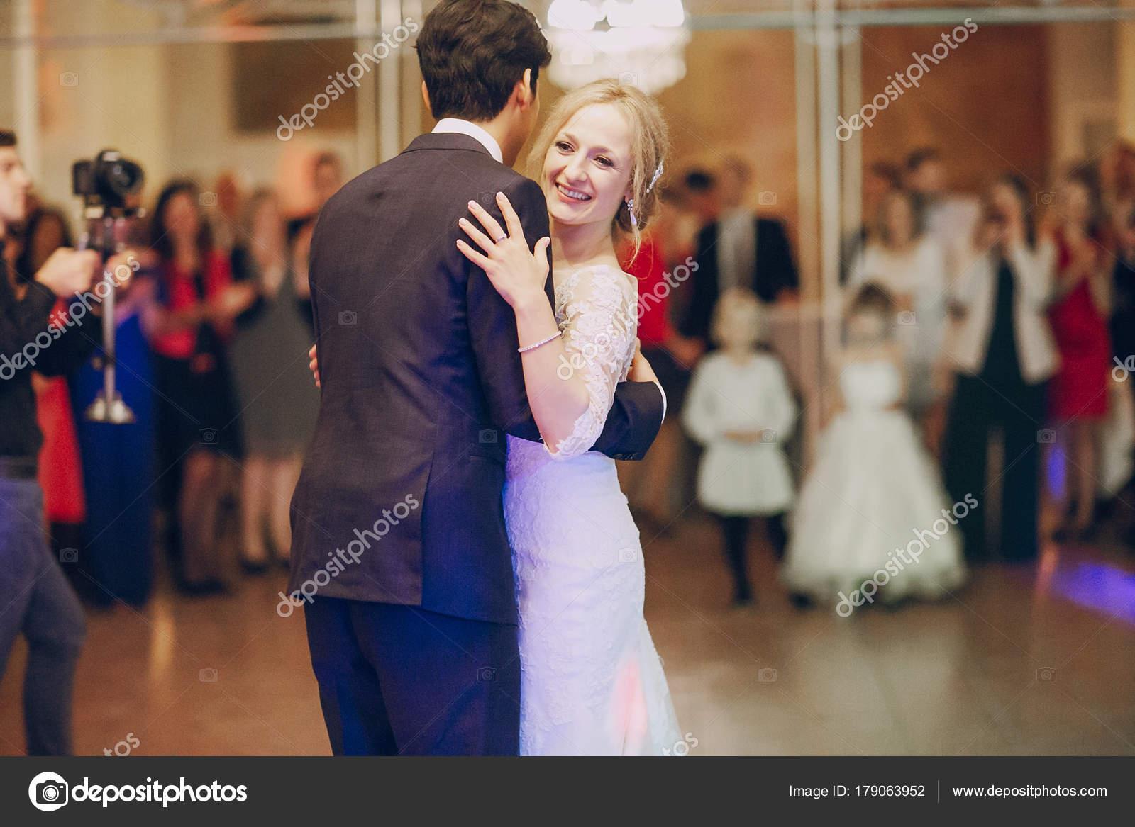 první taneční hd — Stock Fotografie © prostooleh  179063952 d22e8bdc10