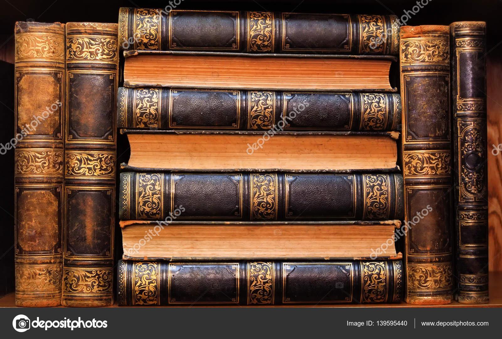 Resultado de imagem para livros belos