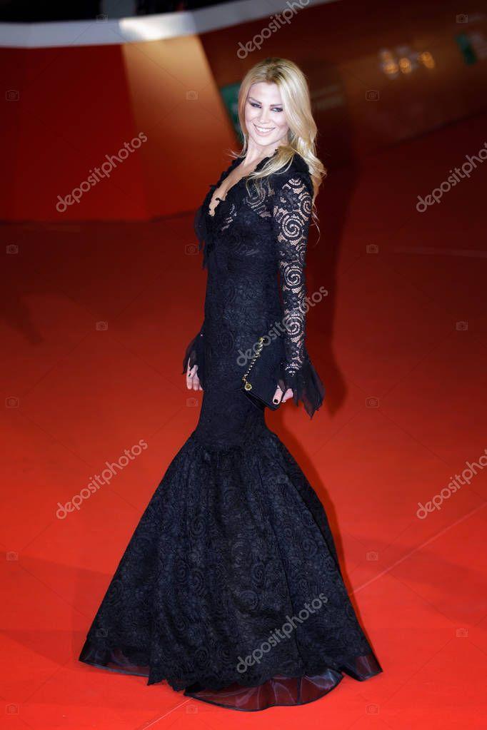 Dana Ferrara on red carpet