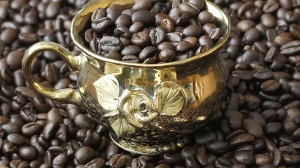 Zlatý pohár brazilské kávová zrna