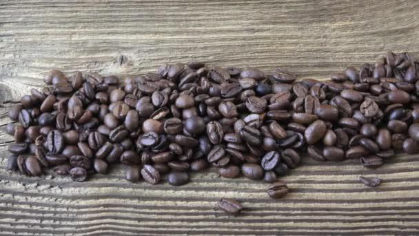 Raw Kávová zrna. Kávová zrna na pozadí.