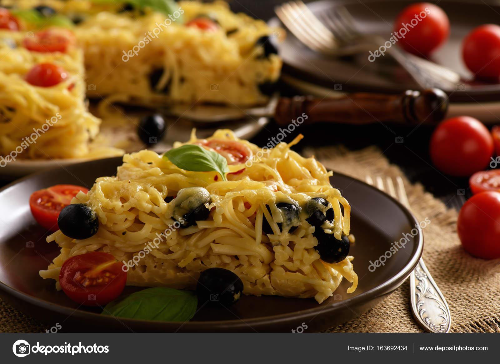 Запеканка с креветками и макаронами