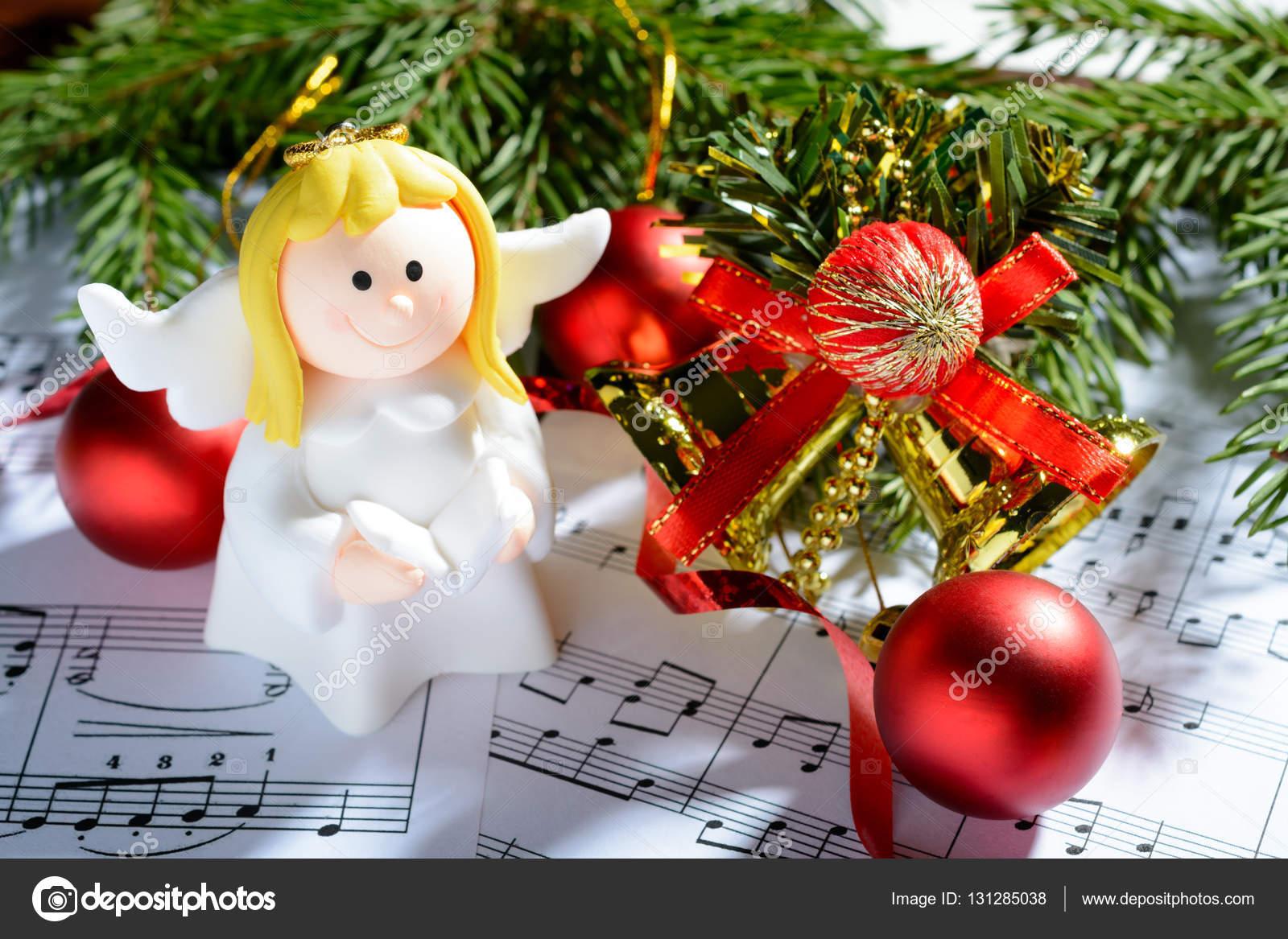 Decorazioni Di Natale Figure Di Angeli E Note Foto Stock Ramif