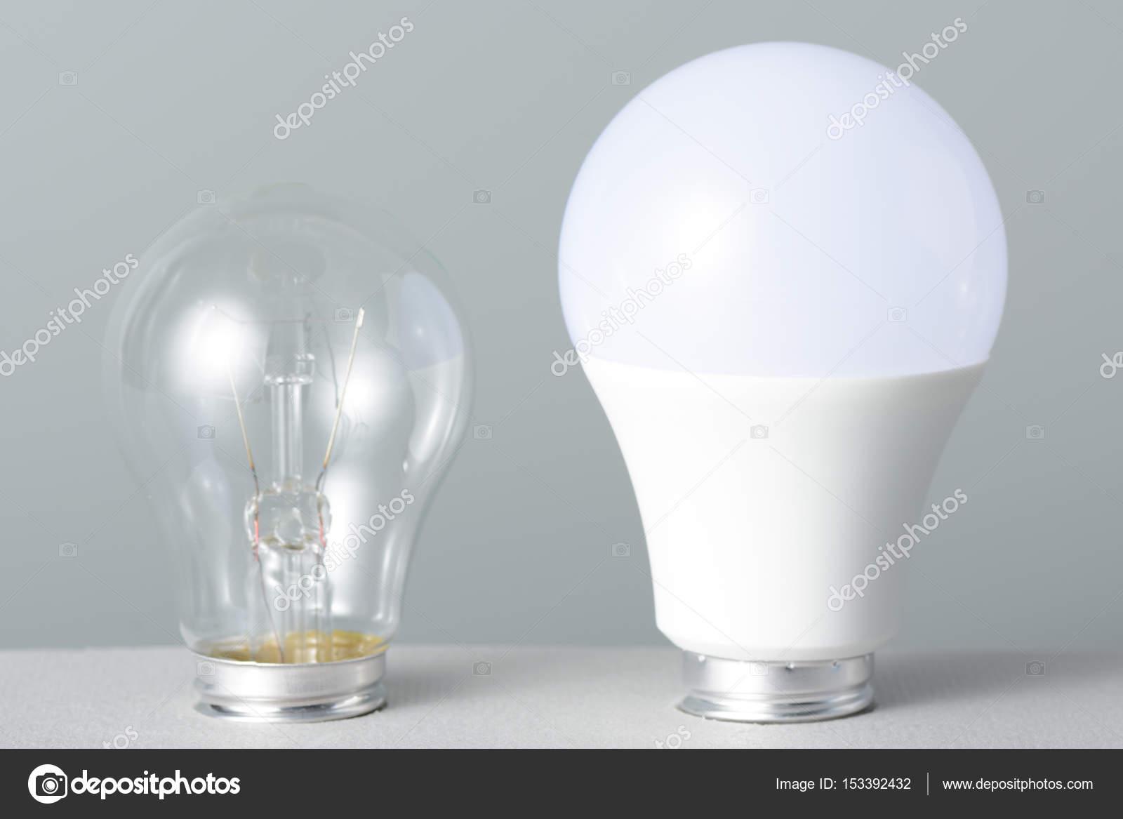 Lampada led e incandescenza u2014 foto stock © ramif #153392432