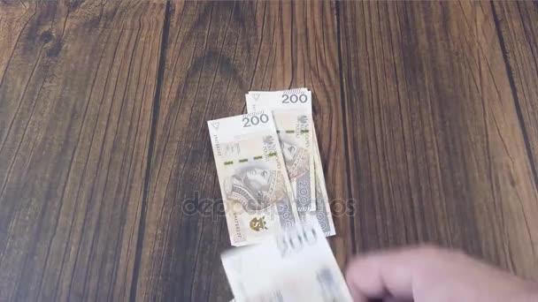 Geld zählen. polnischer Zloty