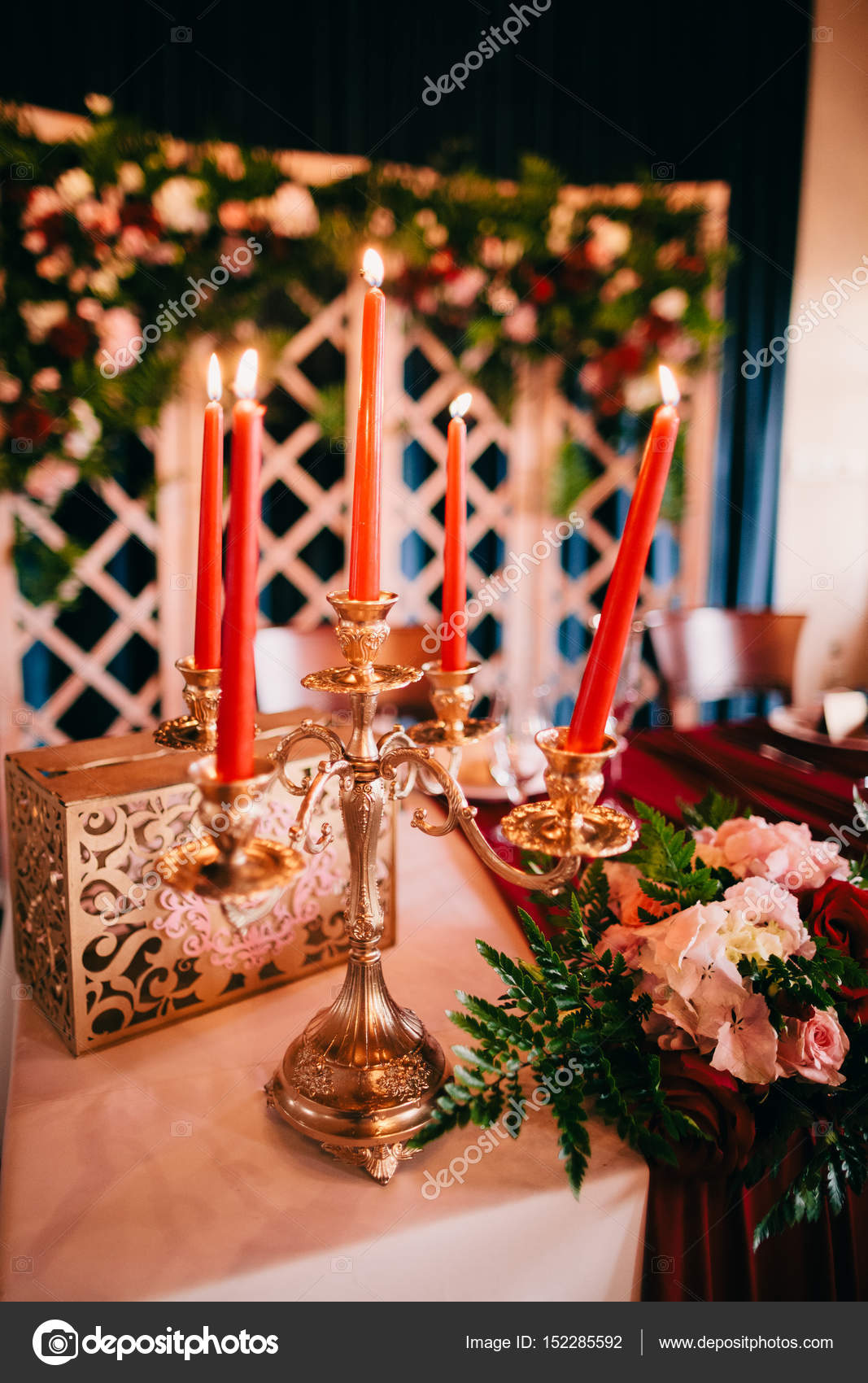 AuBergewohnlich Hochzeit Tisch Herzstück U2014 Stockfoto