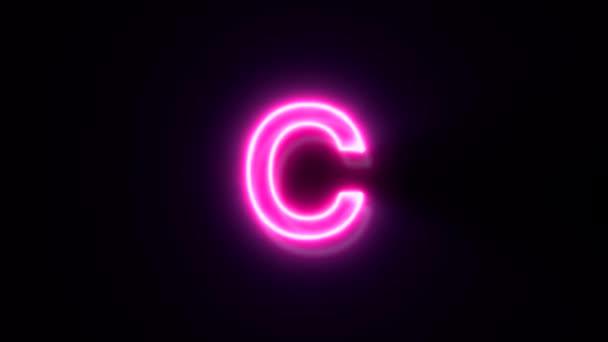 Růžové neonové písmo C malé písmo, symbol animované abecedy na černém pozadí.