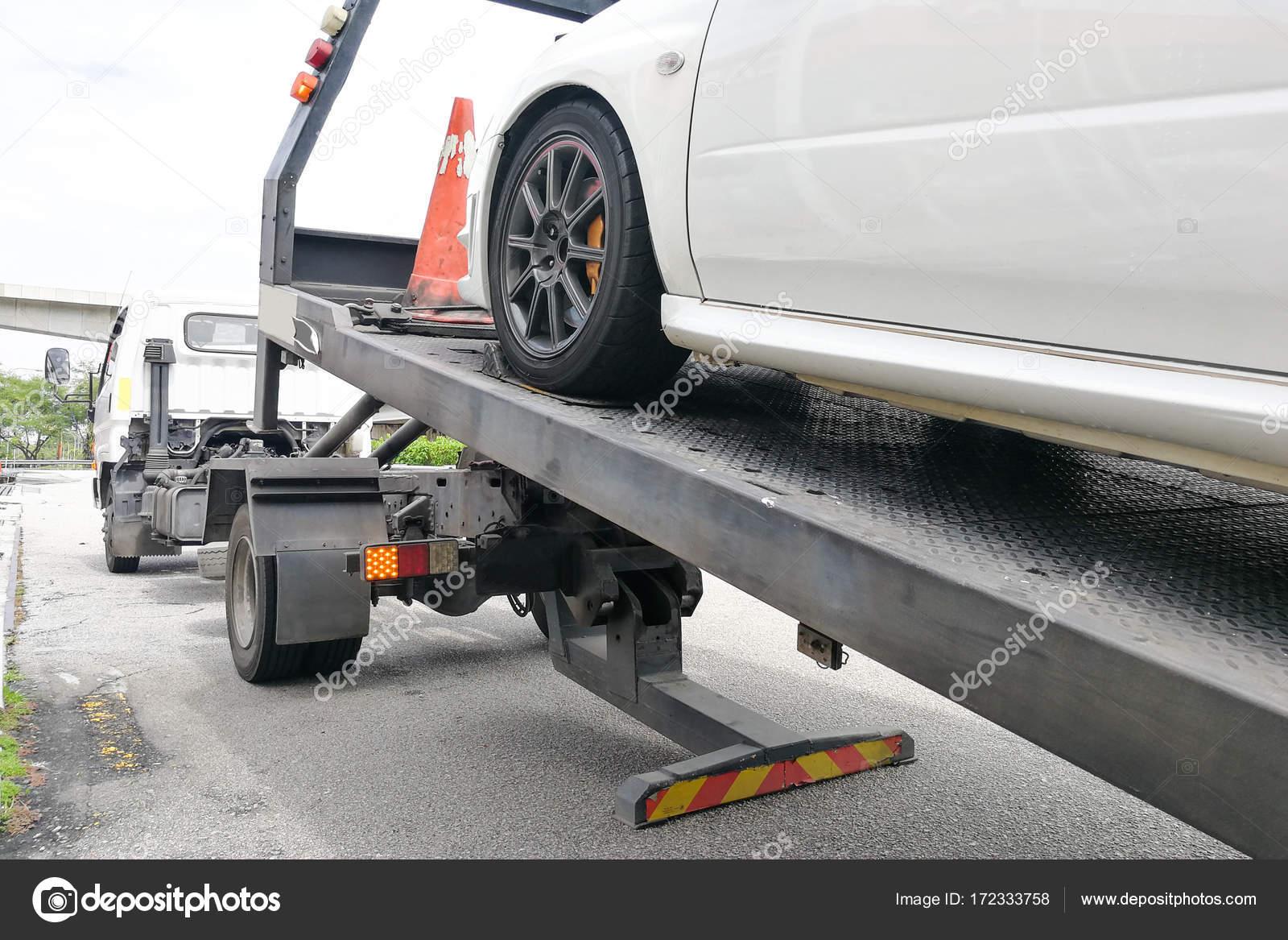 Auto Abgeschleppt Auf Flachbett Abschleppwagen Mit Haken Und Kette