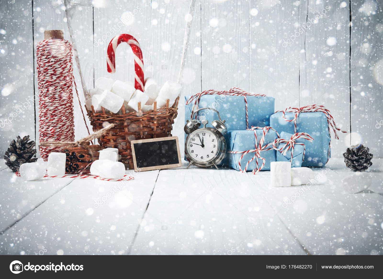 Weihnachten-Neujahr Zusammensetzung Tanne Äste Zimt Vintage gif ...