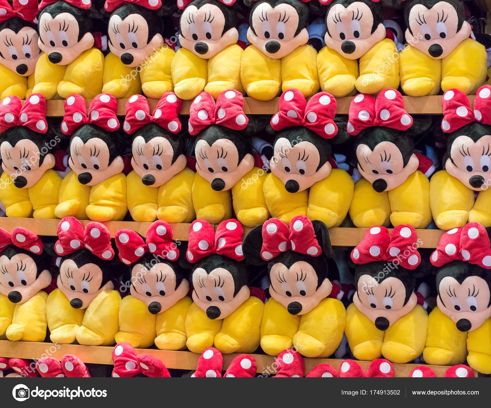 Orlando Usa August 2017 Gestapelte Regal Von Minnie Mouse Plüsch ...